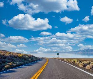 Превью обои дорога, поворот, море, пейзаж, природа