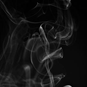 Превью обои дым, белый, извивающийся, черный фон, абстрактный