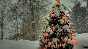 Превью обои елка, игрушки, свет, снег