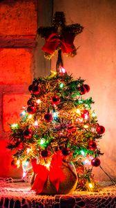 Превью обои елка, новый год, рождество, украшение, гирлянды