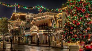 Превью обои елка, подарки, рождество, улица, огни, красота, праздник