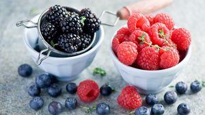 Превью обои ежевика, малина, ягода, миски