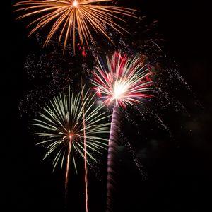 Превью обои фейерверк, взрывы, искры, огни, праздник