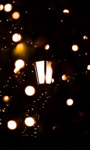 Превью обои фонарь, гирлянда, огни, свет, темный