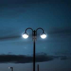 Превью обои фонари, ночь, освещение, темный