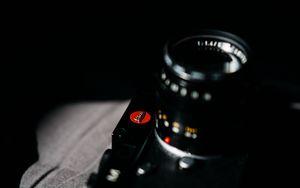 Превью обои фотоаппарат, камера, черный, темный, темнота