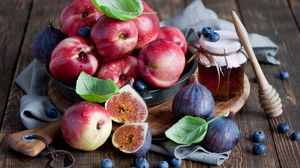 Превью обои фрукты, инжир, голубика, мёд, нектарин