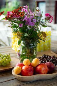 Превью обои фрукты, цветы, букет, натюрморт, эстетика