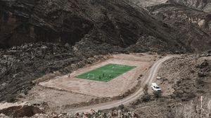 Превью обои футбол, горы, стадион