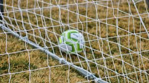 Превью обои футбол, сетка, мяч