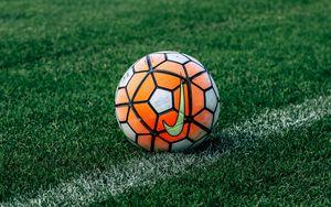 Превью обои футбольный мяч, футбол, газон, трава