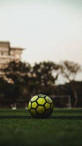Превью обои футбольный мяч, мяч, футбол, газон, трава