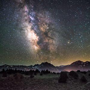Превью обои галактика, ночь, звездное небо, горы