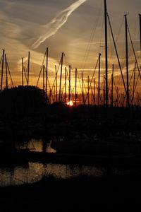 Превью обои гавань, лодки, закат, темный