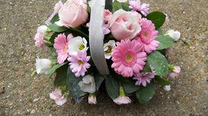 Превью обои герберы, розы, гвоздики, цветы, листья, корзина