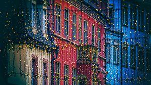 Превью обои гирлянды, дома, украшение, праздничный, город, рождество, новый год