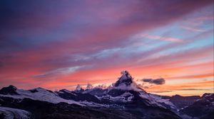 Превью обои гора, пик, заснеженный, облака, закат, церматт, швейцария