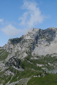 Превью обои гора, подножье, облака, природа