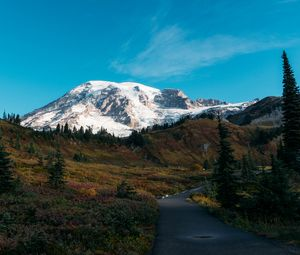 Превью обои гора, вершина, снег, дорожка, пейзаж, природа
