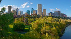 Превью обои город, здания, деревья, осень, вид сверху