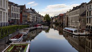 Превью обои город, здания, лодки, река, пристань, венеция