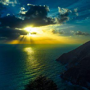 Превью обои горы, море, океан, облака, ночь