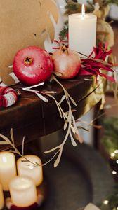 Превью обои гранат, фрукты, свечи, гирлянда, рождество, эстетика