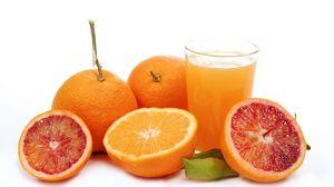 Превью обои грейпфрут, апельсин, сок, стакан, белый фон