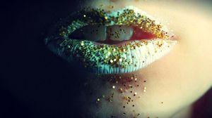 Превью обои губы, блеск, зубы, девушка