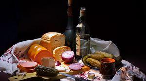 Превью обои хлеб, огурцы, колбаса, напитки