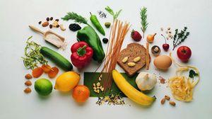Превью обои хлеб, овощи, фрукты, орехи, злаки, витамины