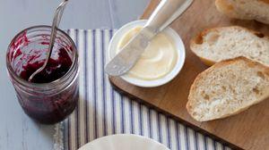 Превью обои хлеб, варенье, тарелка, завтрак