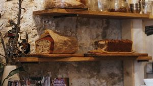 Превью обои хлеб, выпечка, полки, кухня