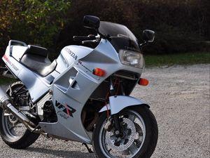Превью обои honda, мотоцикл, байк, серый, фара, мото