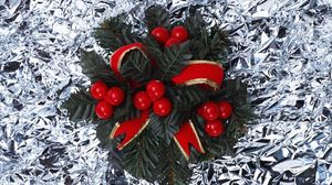Превью обои хвоя, композиция, украшение, атрибут, рождество, фольга