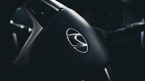 Превью обои hyundai, руль, логотип