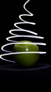Превью обои яблоко, свет, линия, фризлайт, длинная выдержка, темный