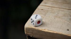 Превью обои игральный кубик, кубик, поверхность, деревянный