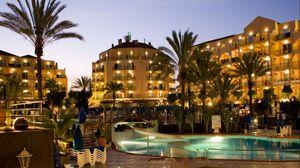 Превью обои испания, бассейн, здание, вечер, курорт