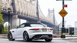 Превью обои jaguar, f-type r, awd, us-spec, белый