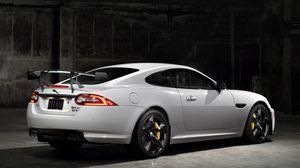Превью обои jaguar, xkr-s, gt, белый, авто, вид сбоку
