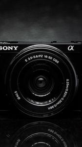 Превью обои камера, объектив, черно-белый, черный