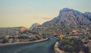 Превью обои каньон, дорога, поворот, растительность