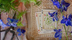 Превью обои карты, цветы, ножницы, деревянный, натюрморт