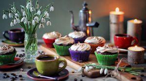 Превью обои кексы, крем, десерт, кофе, цветы