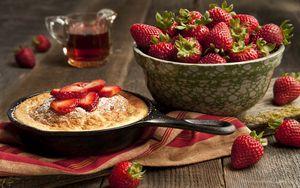 Превью обои клубника, тарелка, ягода, пирог, пудра