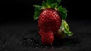 Превью обои клубника, ягода, светлый, крупным планом