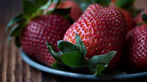 Превью обои клубника, ягоды, макро