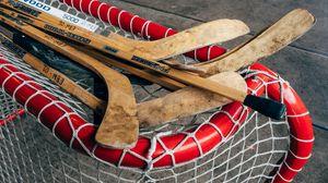 Превью обои клюшки, ворота, хоккей