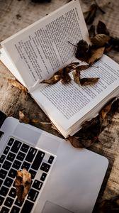 Превью обои книга, ноутбук, листья, сухой, осень, эстетика